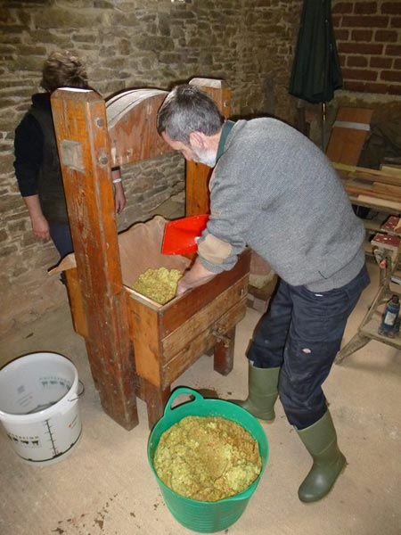 Making cider at South Yeo Farm West on the apple and cider day course